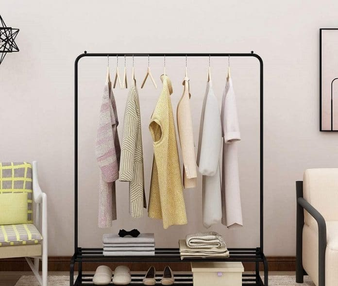 How to build an Industrial Clothes Rack for your House